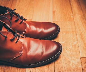 sennik znaczenie snu o butach