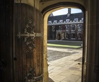 znaczenie snu Sen o otwartych drzwiach